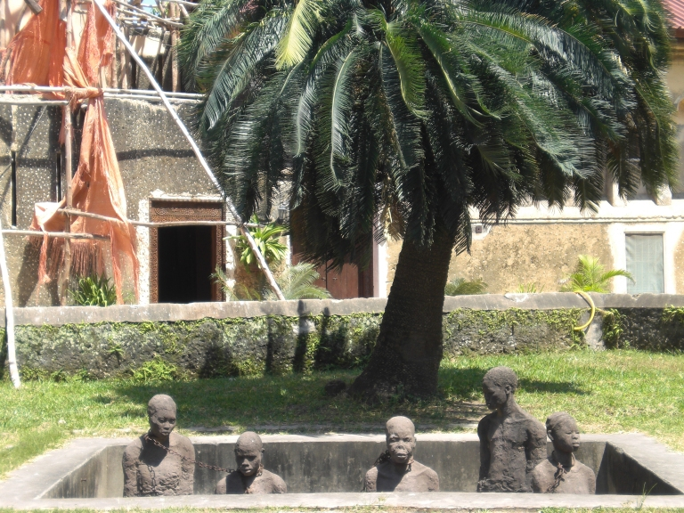 Sculputre at the old slave market monument site, created by a local/ Portuguese artist